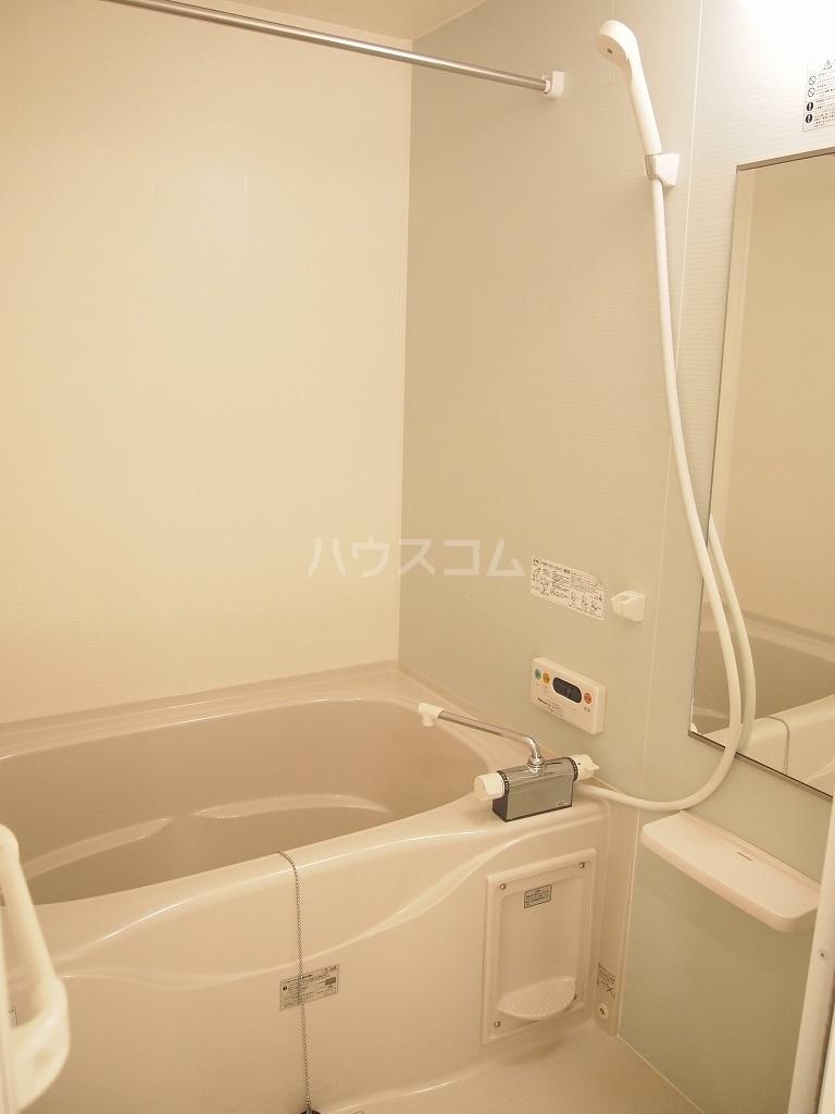 サニーホームⅡ 01010号室の風呂