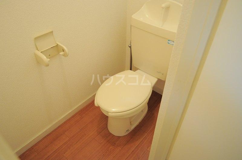 レオパレスプランドールⅡ 101号室のトイレ