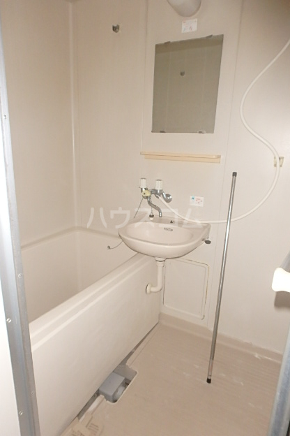 エクセル榊原 102号室の洗面所