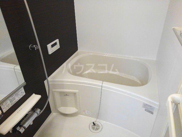 ウィンブリー 01010号室の風呂