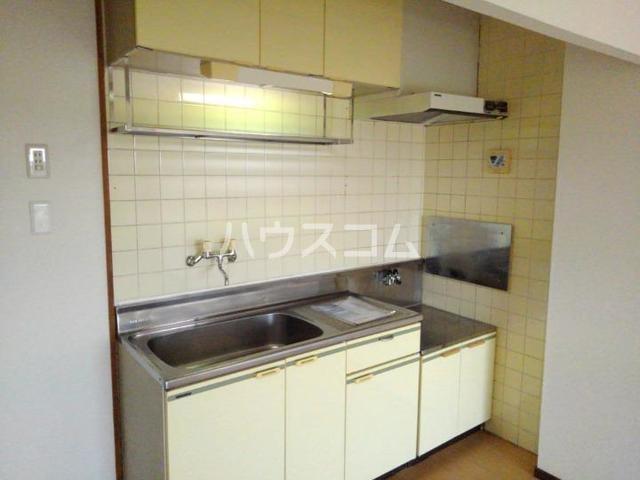 レジデンスサンパーク 03020号室のキッチン