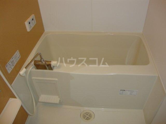 エバーハイツ 102号室の風呂