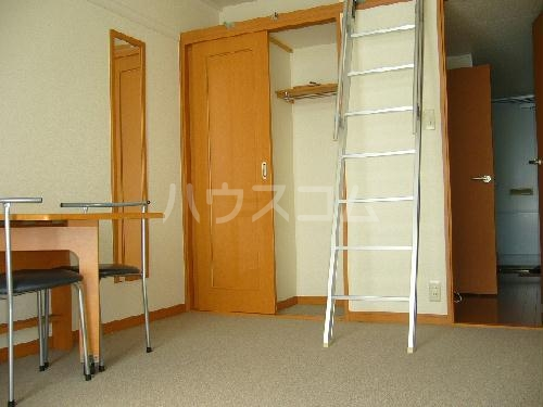 レオパレス小野 203号室のベッドルーム