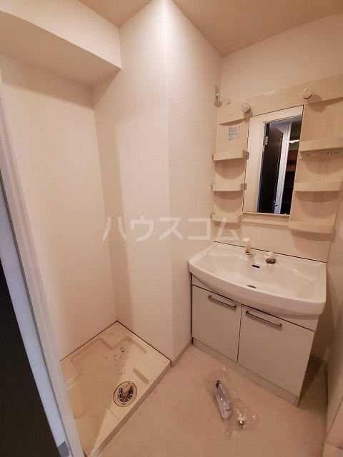 グランシーナ新町 105号室の洗面所