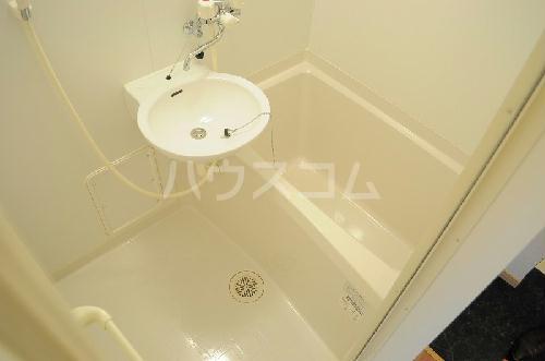 レオパレスゴールド 201号室の風呂