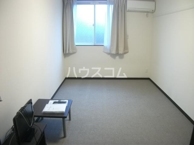 レオパレスゴールド 201号室の