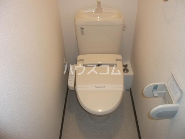 レオパレスゴールド 201号室のトイレ