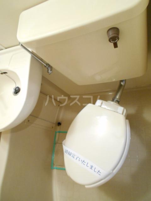 ゼフィランサス橋本 0102号室のトイレ