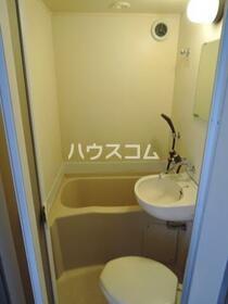 TK大岡 205号室の洗面所