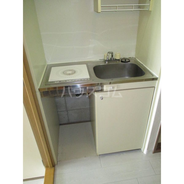 SKYマンション八田 802号室のキッチン