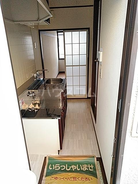 オリーブハイム 201号室の玄関