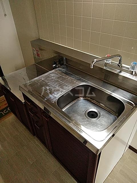 オリーブハイム 201号室のキッチン