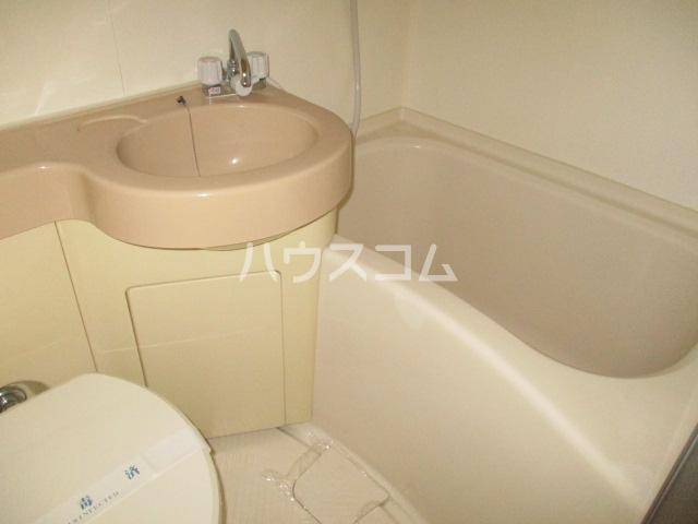 ウインベルソロ梅ヶ丘 106号室の風呂