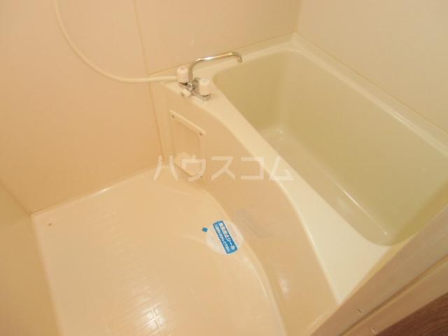 ヴィラ・グリーン 102号室の風呂