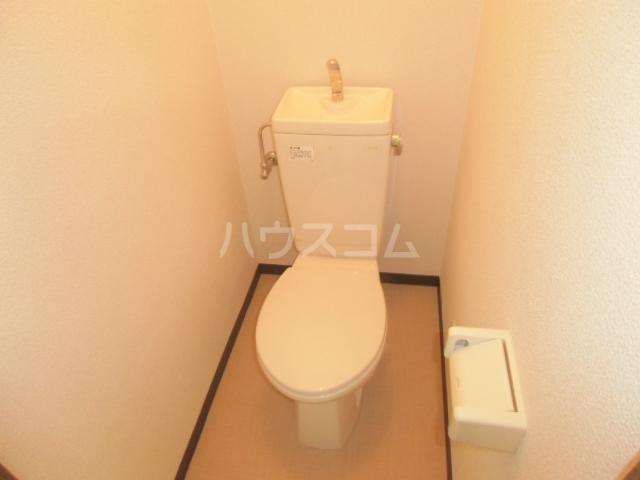 ヴィラ・グリーン 102号室のトイレ