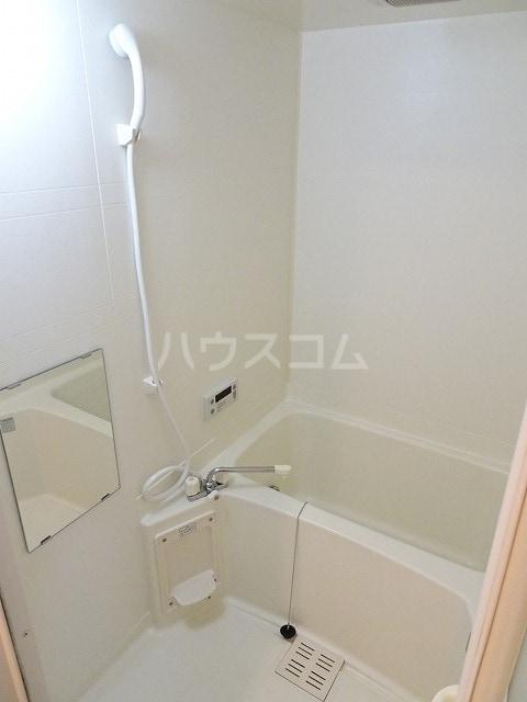 ラフィーネ美術館前 02010号室の風呂