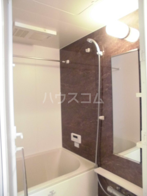 La Razetta 103号室の風呂