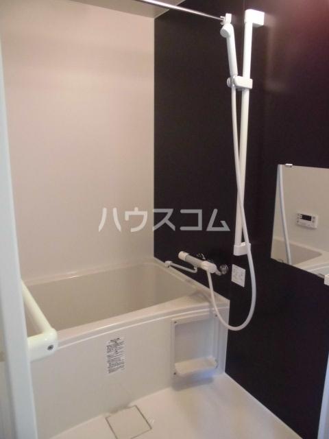 リバブル本通 603号室の風呂