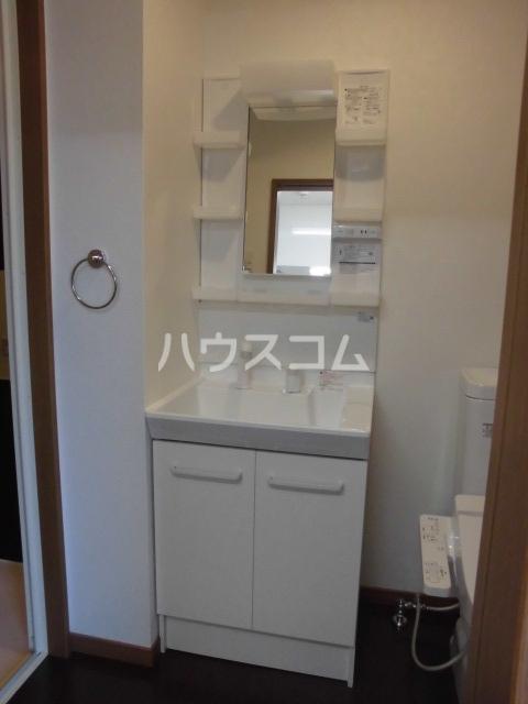 リバブル本通 603号室の洗面所