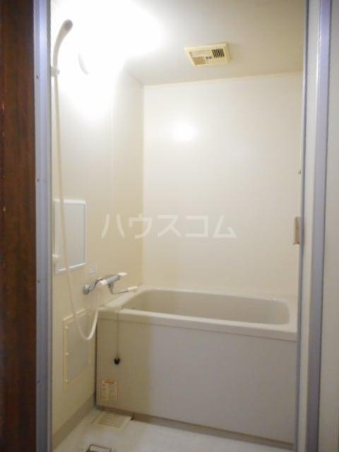 ヌーベルSANO 02010号室の風呂