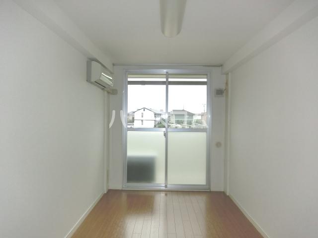 アイルーム東日野 303号室のベッドルーム