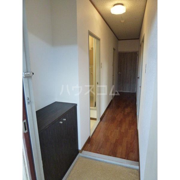 メゾンアメニティ 203号室の玄関