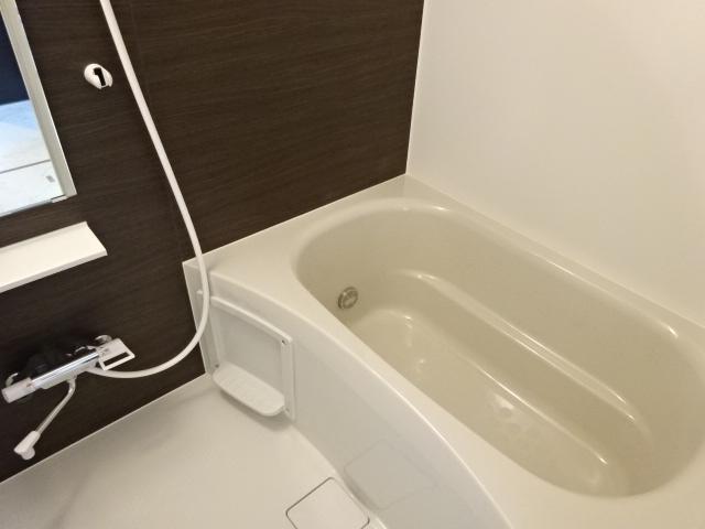 ポートレブニー 505号室の風呂