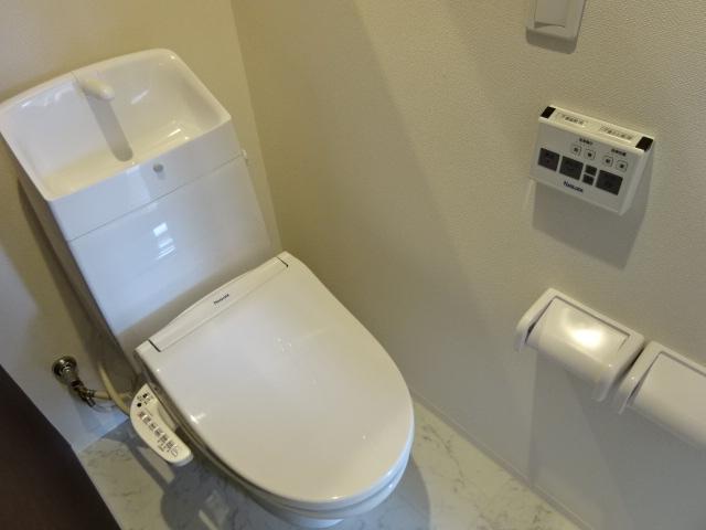 ポートレブニー 505号室のトイレ
