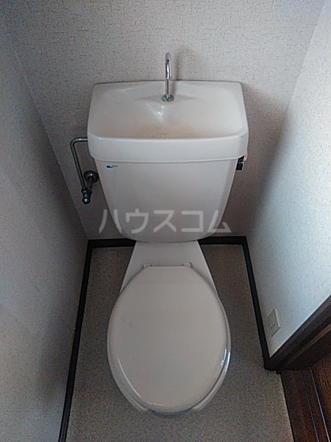コンフォート鎌田 201号室のトイレ