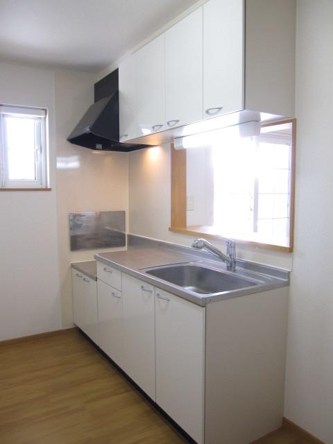 ヌフ・ソレイユ 02010号室のキッチン