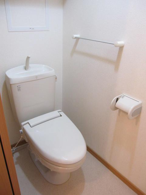 ヌフ・ソレイユ 02010号室のトイレ