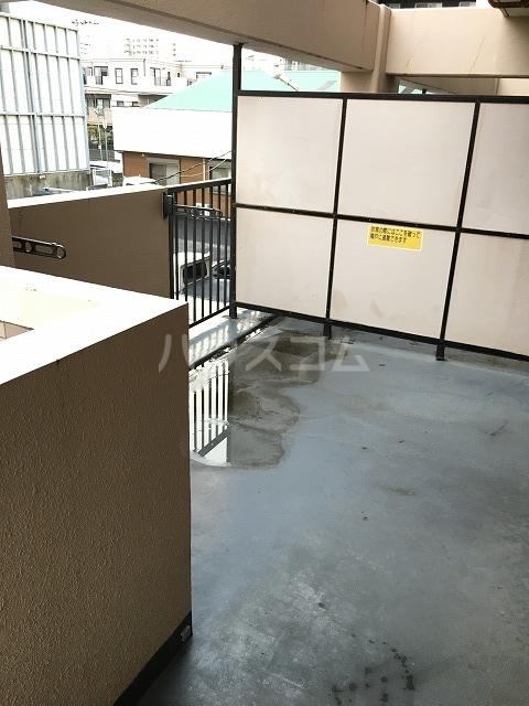 ライオンズプラザ平塚宝町 201号室の駐車場