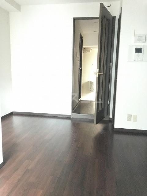 ライオンズプラザ平塚宝町 201号室のリビング