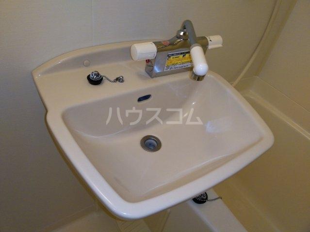レオパレスKC 105号室の洗面所