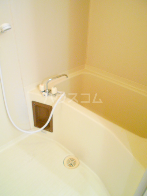 クローネ川口 205号室の風呂