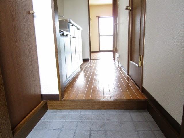 Sun Rise 五番館 405号室の玄関