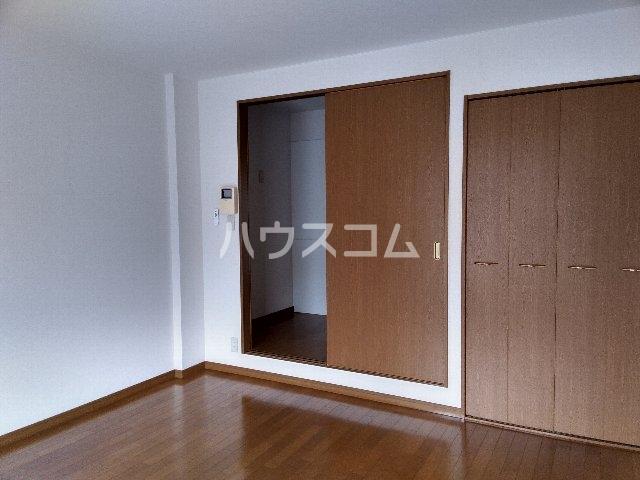 アムールグリシーヌ 302号室のベッドルーム