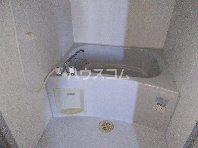 アムールグリシーヌ 302号室の風呂