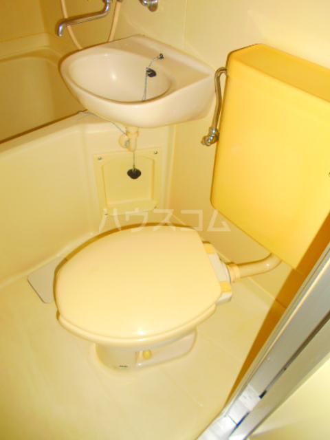 メゾン・パシフィコ 104号室のトイレ