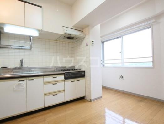 プラチナハウス高輪 602号室のキッチン