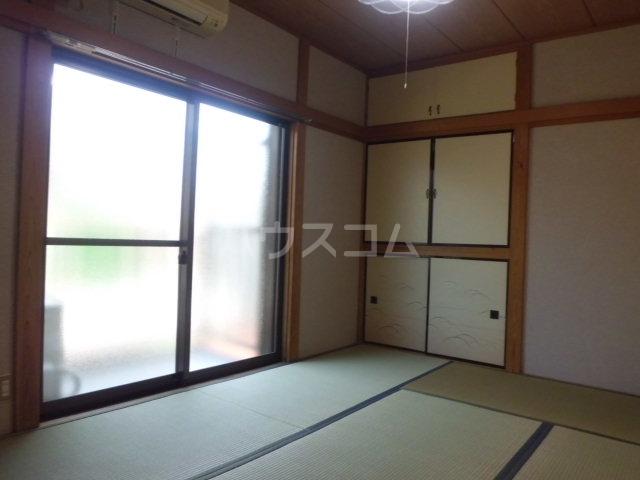 富士美ハイツ 203号室の居室