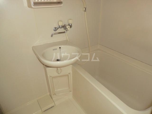 富士美ハイツ 203号室の風呂