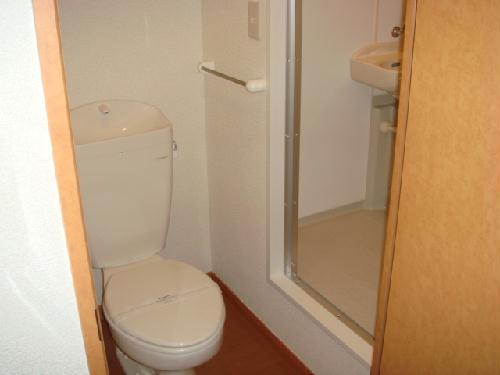 レオパレスコンフォート吉良 102号室のトイレ