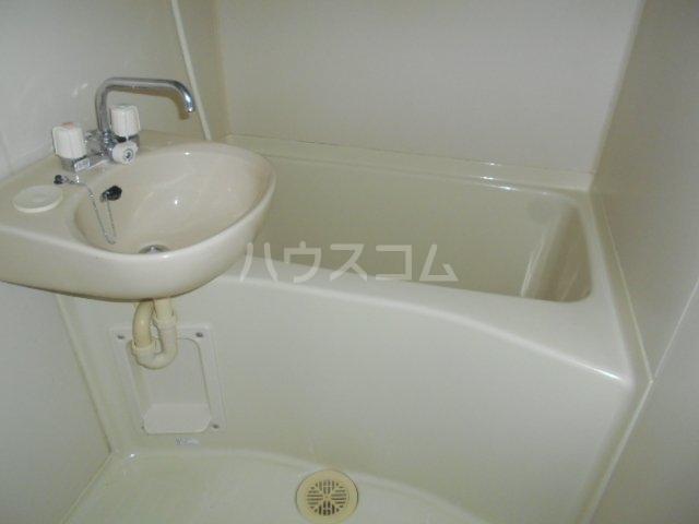 レオパレス小町A 302号室の風呂