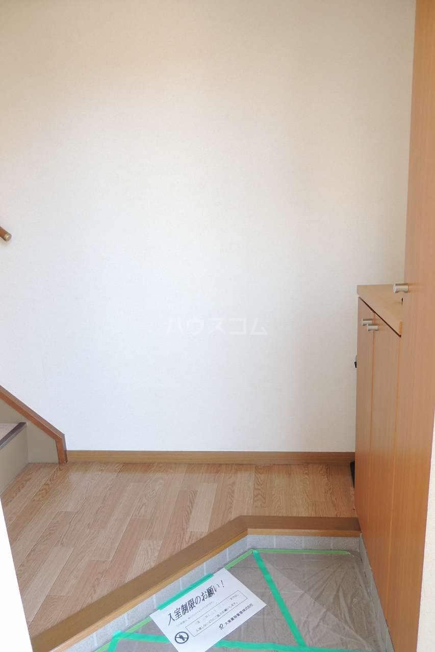 オーブリー 森 02030号室の玄関