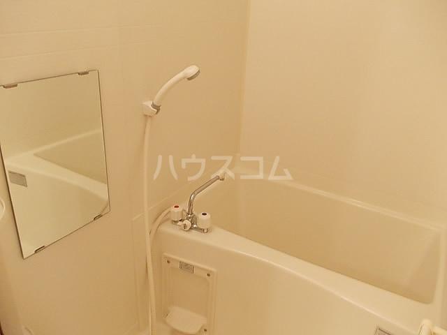 メゾン ベルクール 02050号室の風呂