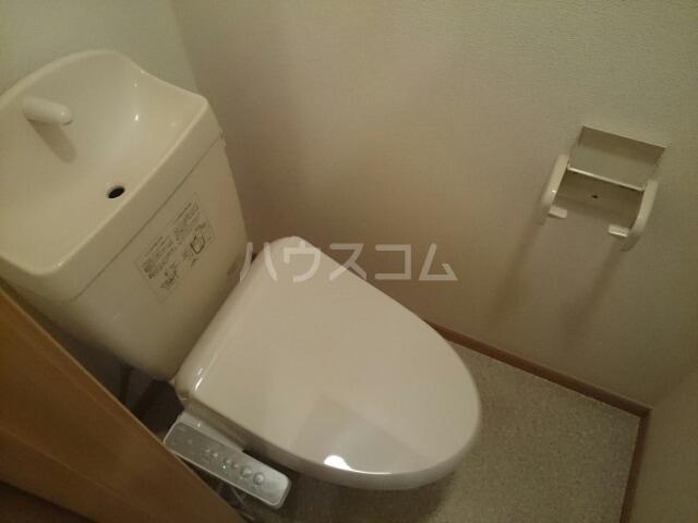 メゾン ベルクール 02050号室のトイレ