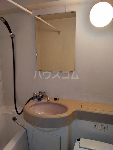 シャトレーイン東京笹塚 620号室の洗面所