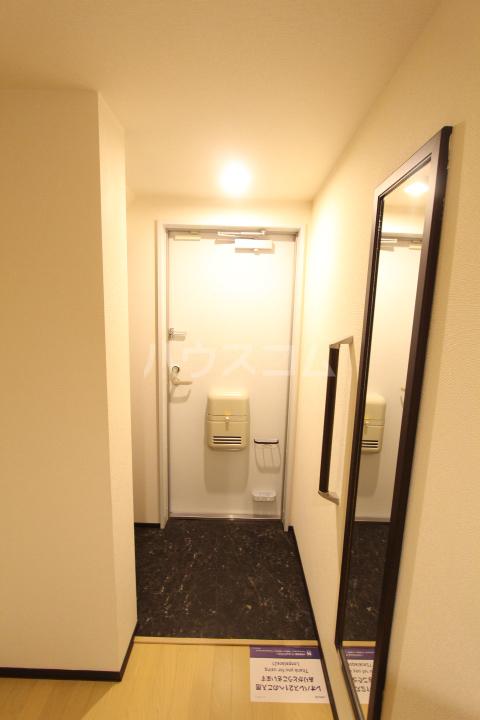 クレイノレジーナ 102号室の玄関