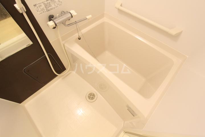 クレイノレジーナ 102号室の風呂
